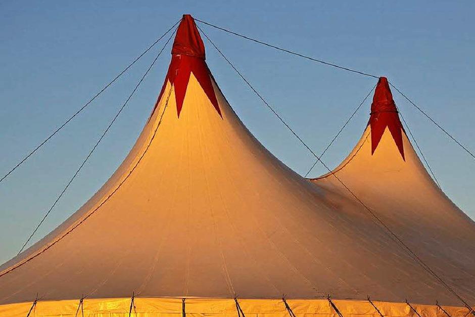 Unter dem Zeltdach des Circolo wird alle Jahre wieder Artistik geboten. (Foto: Veranstalter)