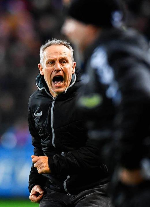 Musste sich vor allem bei Auswärtsspie...nd ärgern: SC-Coach Christian Streich.  | Foto: AFP