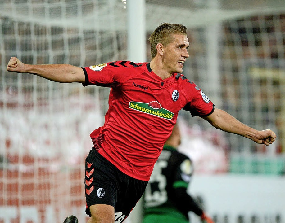Seine acht Hinrunden-Tore haben dem SC Freiburg sehr geholfen: Nils Petersen.   | Foto:  DPA