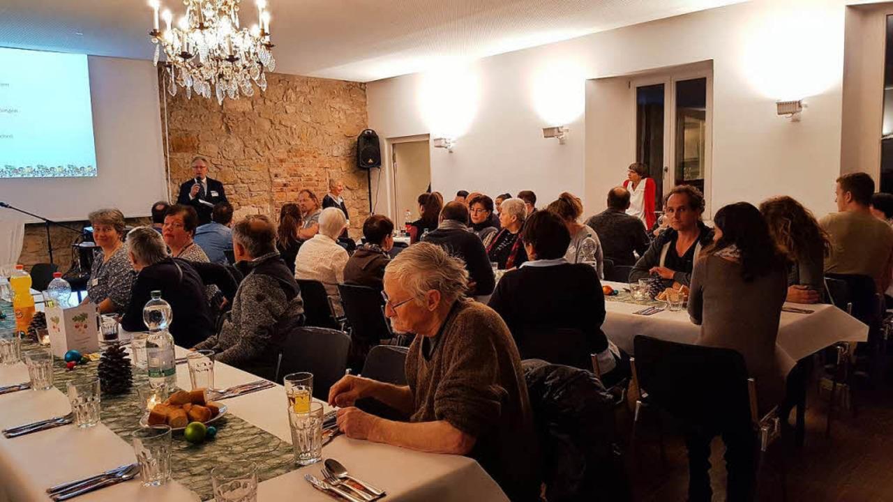 Rund 80 Gäste kamen zur Weihnachtsfeie...schen Allianz in der Alten Feuerwache.    Foto: Veranstalter