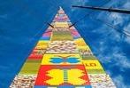 Fotos: 36-Meter-Turm aus Lego soll Rekord brechen