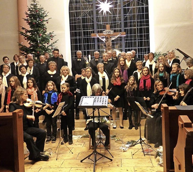 """Begeistert waren die zahlreichen Hörer...Junge Chor"""" in der Kreuzkirche.     Foto: Bianca Flier"""