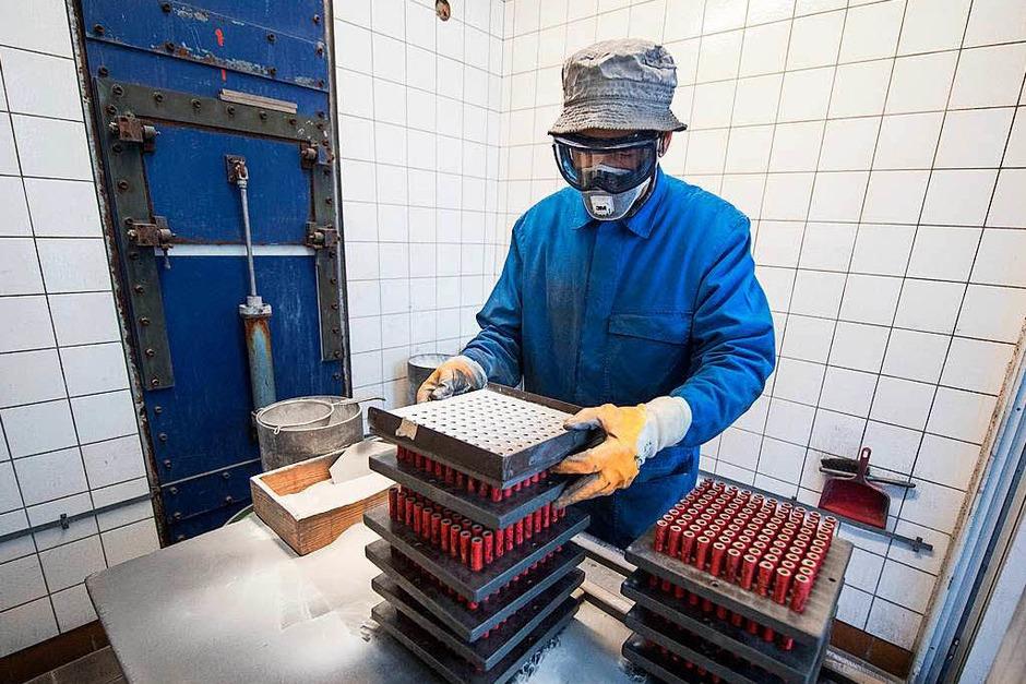 Mit 15 Mitarbeitern produziert die Firma Zink  seit rund 70 Jahren Raketen und andere Knallkörper. (Foto: dpa)