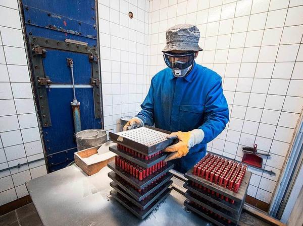 Mit 15 Mitarbeitern produziert die Firma Zink  seit rund 70 Jahren Raketen und andere Knallkörper.