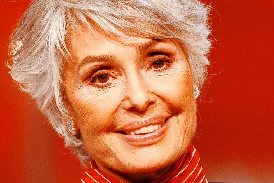 """Die israelische Schauspielerin und Sängerin Daliah Lavi  war vor allem in den 1970er und 1980er Jahren erfolgreich. Mit melancholischen Songs wie """"Oh, wann kommst du"""" eroberte sie die Herzen ihrer Fans. Zuvor war sie auch in 40 Filmen zu sehen, darunter """"Old Shatterhand"""". Sie starb im Alter von 74 Jahren am 3. Mai. (Foto: dpa)"""