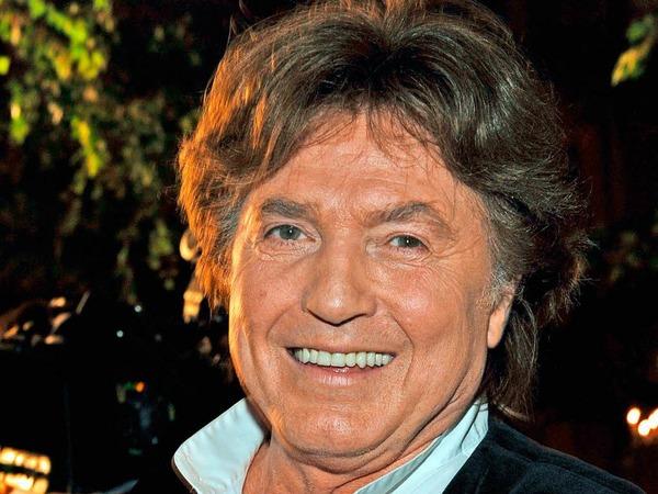 """Mit Hits wie """"Du kannst nicht immer 17 sein"""" wurde Chris Roberts, der eigentlich Christian Klusacek hieß, in den 1970er Jahren zur Schlagerlegende. Insgesamt verkaufte er rund elf Millionen Platten. Auch als Schauspieler war er beliebt. Mit 73 Jahren verstarb auch er 2017."""