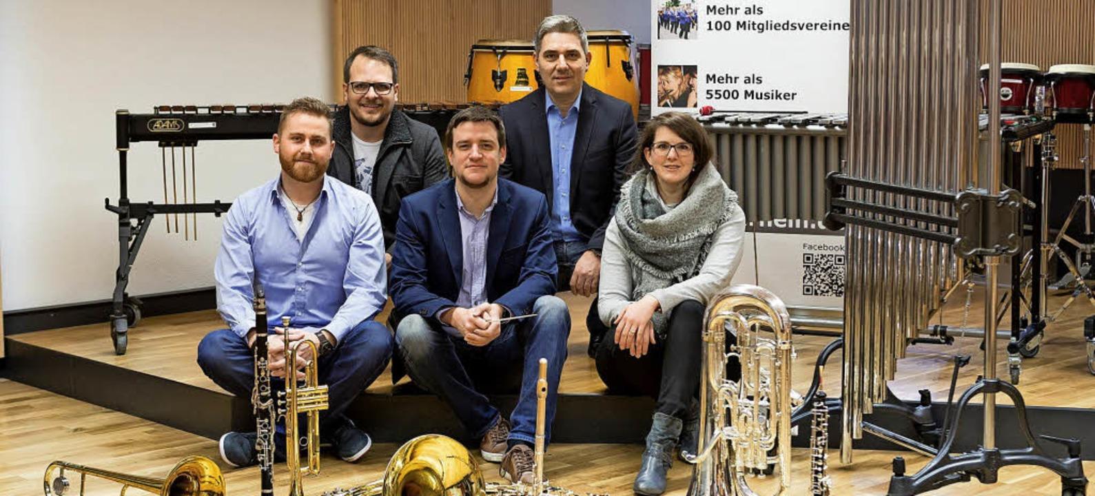 Das Projektteam des Sinfonischen Blaso...in,  Ralf Eckert und Marina Reichmann   | Foto: Privat