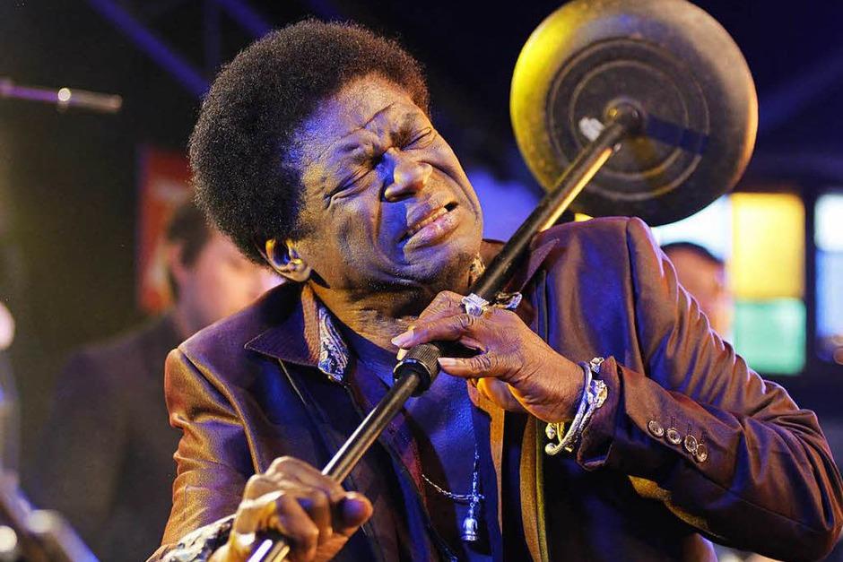 Im Jahr 2016 war Charles Bradley noch beim Freiburger Zeltmusikfestival aufgetreten. Am 23. September hat der Soul-Sänger den Kampf gegen eine schwere Krankheit verloren. Er wurde 68 Jahre alt. (Foto: Wolfgang Grabherr)