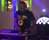 Ü-40-Dance-Party in der Savanna-Bar