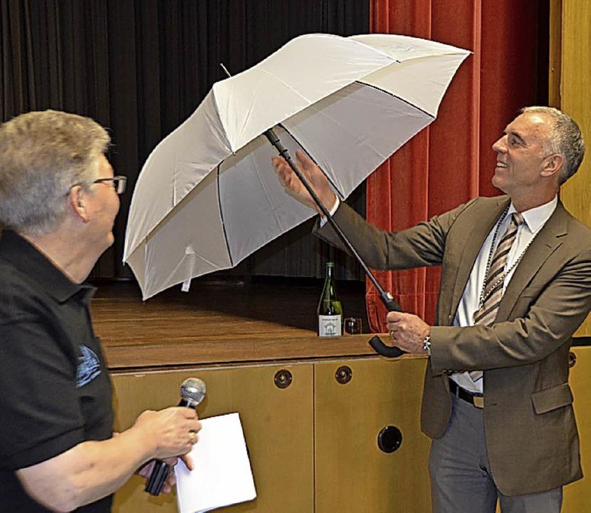 …den Abschied von Bürgermeister  Manfred Merstetter (rechts)  | Foto: Victoria Langelott