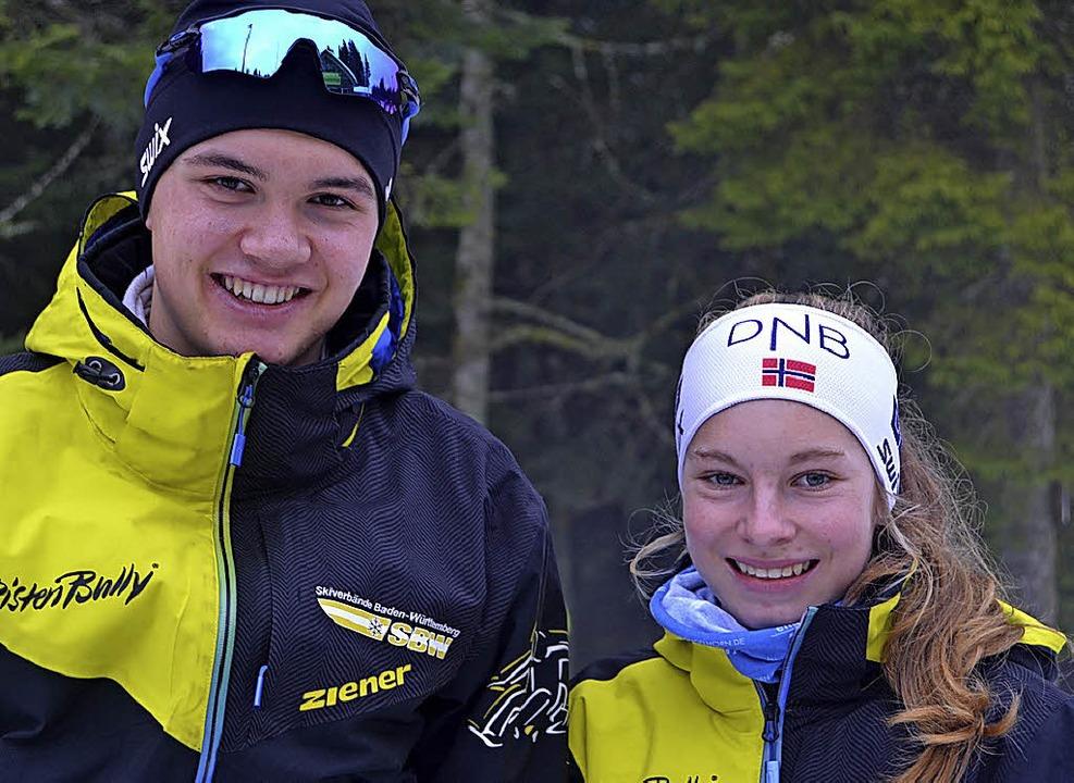 Milena Maier (rechts)  und   Leopold Hensler sprinteten in Schönwald zum Sieg.   | Foto: junkel
