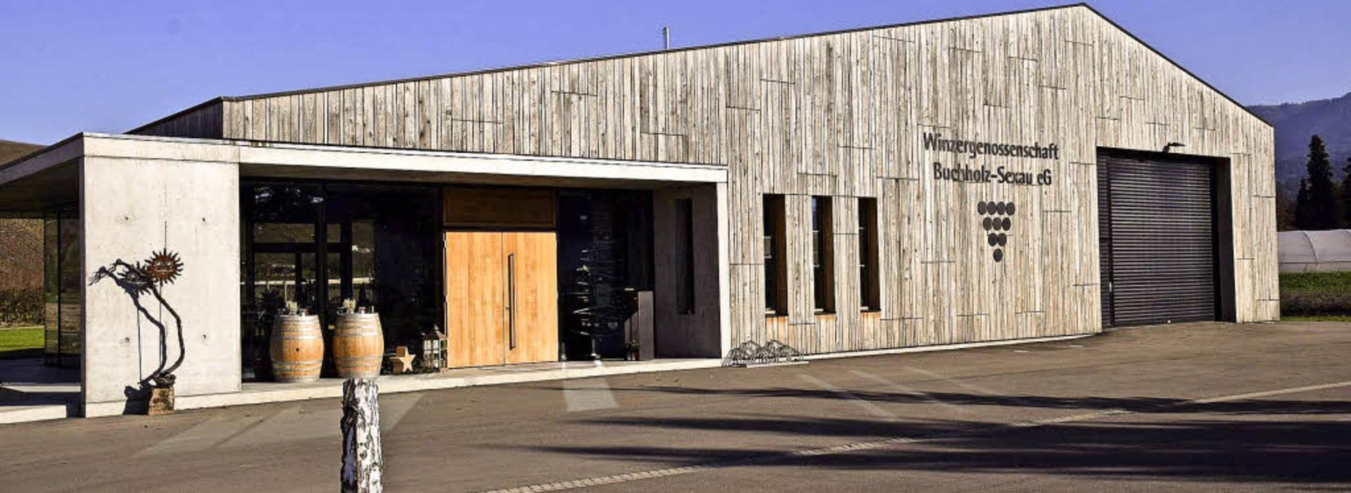 Eine Kombination von Scheune und Beton...: das Gebäude der Winzergenossenschaft  | Foto: Hubert Bleyer