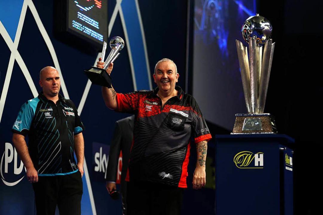 Rob Cross ist neuer Darts-Weltmeister – Legende Phil Taylor tritt ab  | Foto: dpa