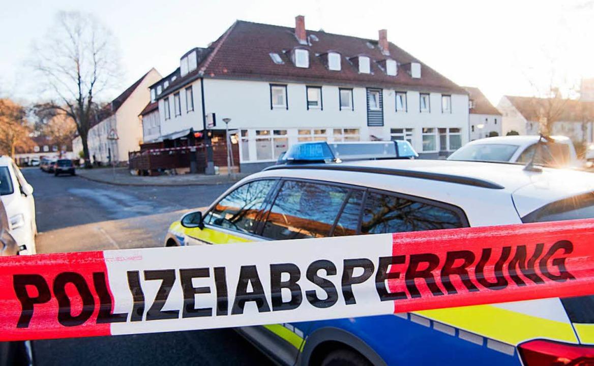 Ein zwölfjähriges Mädchen ist in der S...chossen worden. Die Polizei ermittelt.  | Foto: dpa