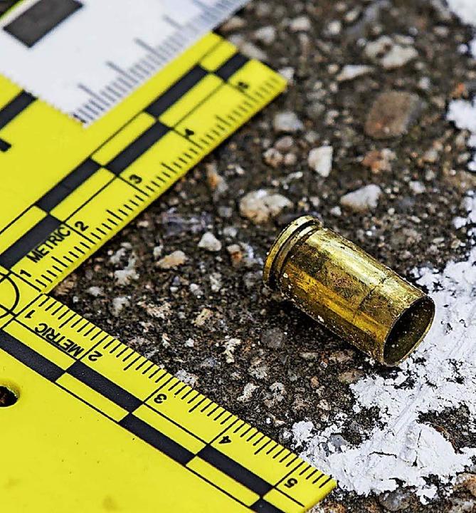 Eine der gefundenen Patronenhülsen in Salzgitter   | Foto: dpa