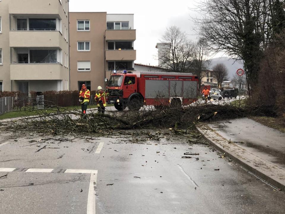 Die Kirchzartener Feuerwehr im Einsatz  | Foto: Feuerwehr Kirchzarten