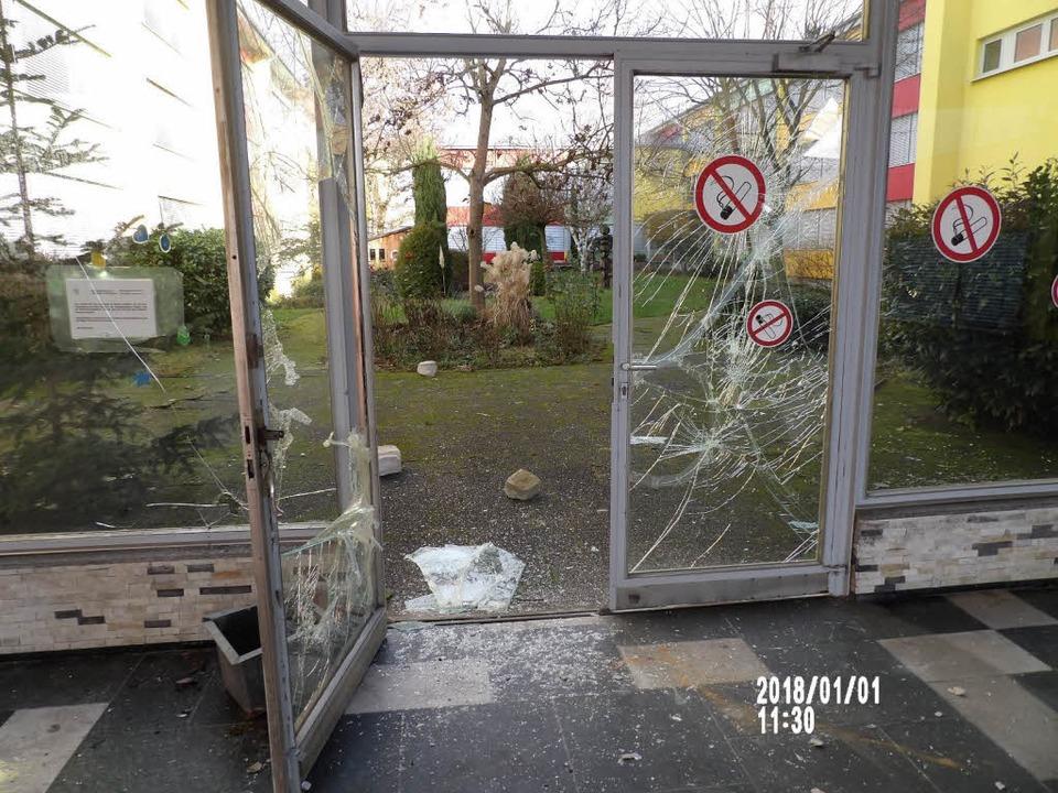 In der Silvesternacht randalierten Jug...eich der Wintersbuckstraße in Lörrach.  | Foto: Polizei