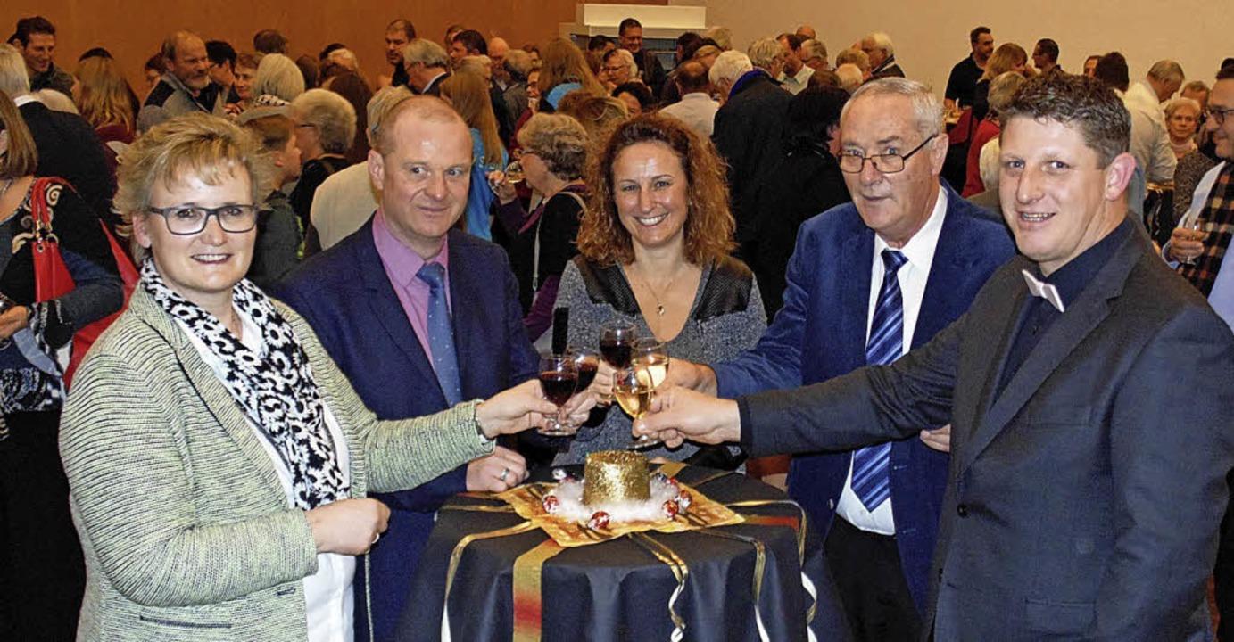 Der  neu gewählte Gemeinderat von Stei...Zumstein und Gemeindeammann Beat Käser    Foto: Michael Gottstein