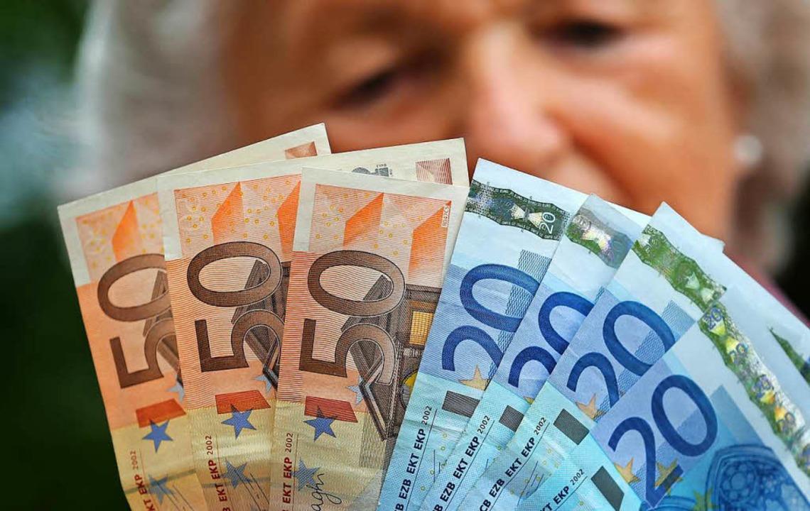 Die meisten Riester-Verträge kosten de...rtet, klagen die Verbraucherschützer.   | Foto: dpa