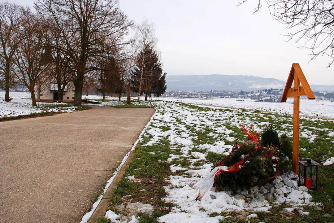 Bekannte haben um die Jahreswende 2012...rovisorische Gedenkstätte errichtet.    | Foto: Archivfoto: Hubert Röderer