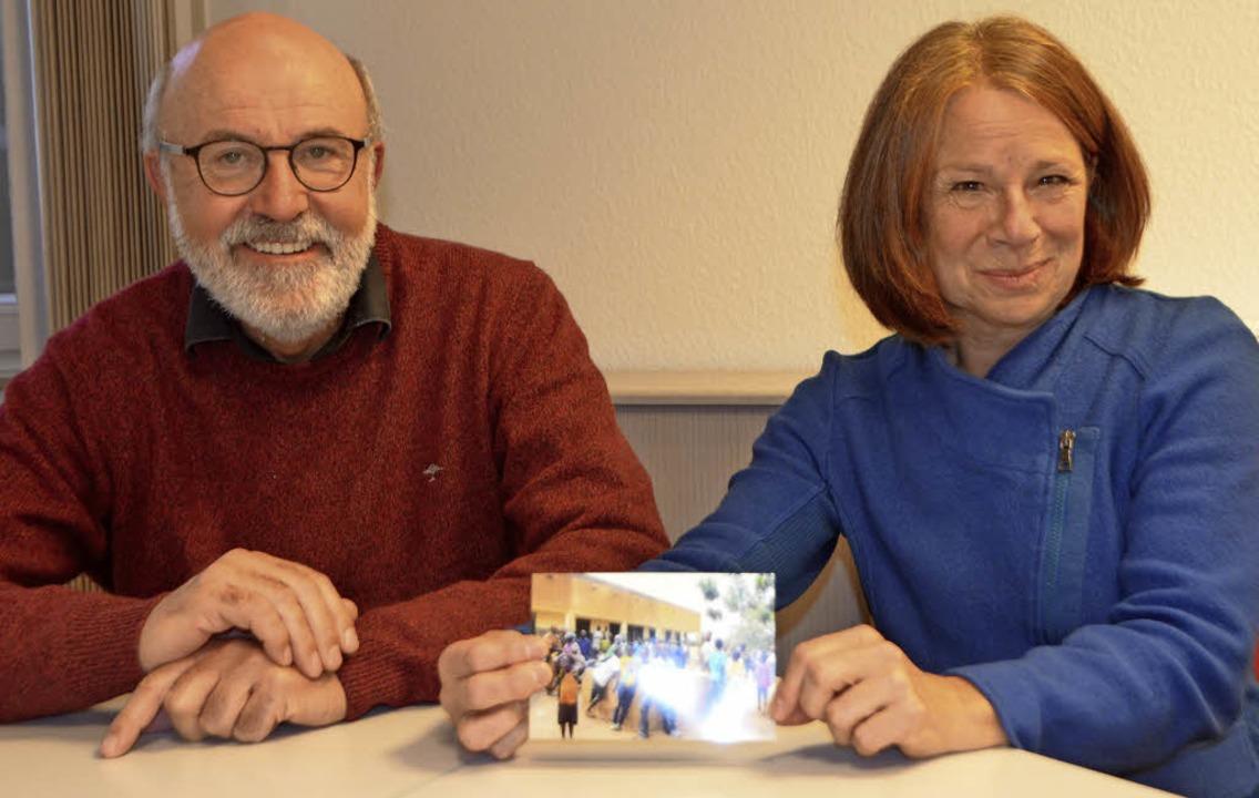 Arthur und Gisela  Tschuor aus Emmendingen waren bei der Einweihung dabei.     Foto: Walser