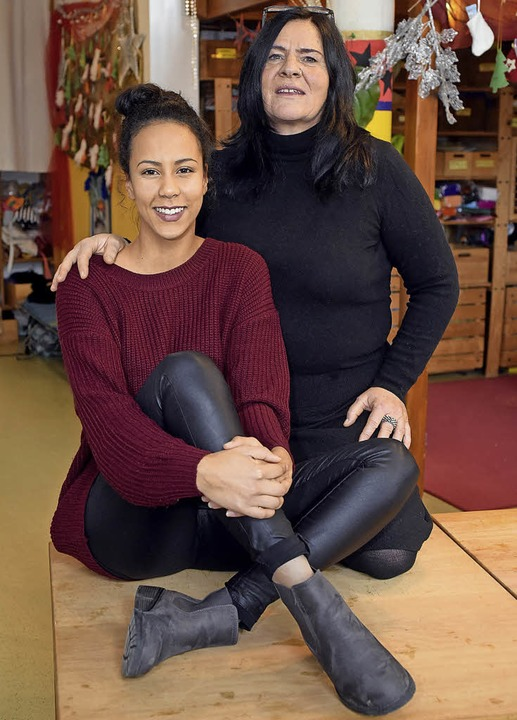 Niouma N'Diaye mit ihrer Mutter Heike Scharbach   | Foto: Thomas Kunz