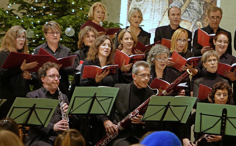 Die Kantorei Rheinfelden mit Bläsern b... Aufführung der Messe von  Strawinsky   | Foto: Roswitha Frey