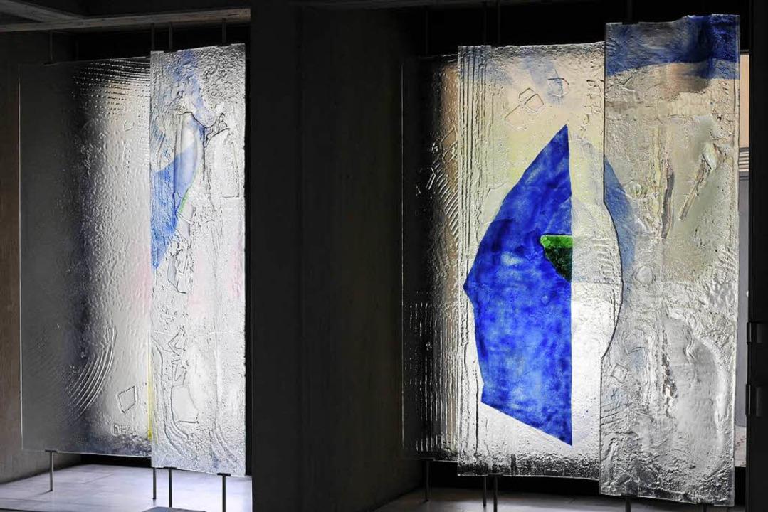 Glaskunst von Florian Lechner in der Kirche St. Petrus Canisius  | Foto: Ingo Schneider