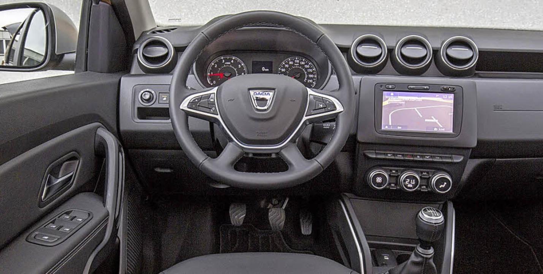 Der Neue fällt vor allem durch seinen ...hlicht, aber funktionell: das Cockpit   | Foto: werksfotos