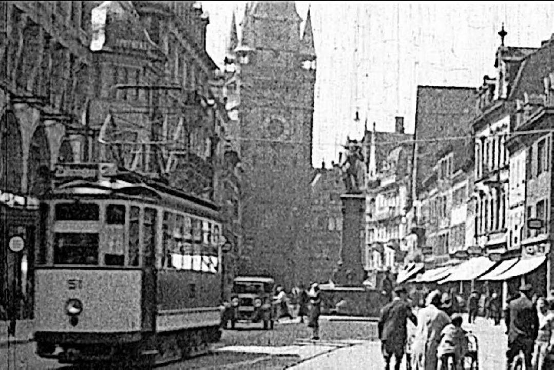 Historischer Blick auf Bertoldsbrunnen und Martinstor in Freiburg    Foto: BZ