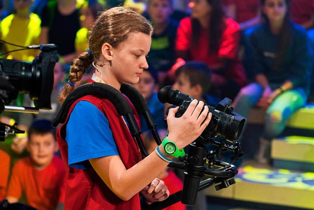 Nelli hat die Kamera im Griff.   | Foto: Ralf Wilschewski (zdf)
