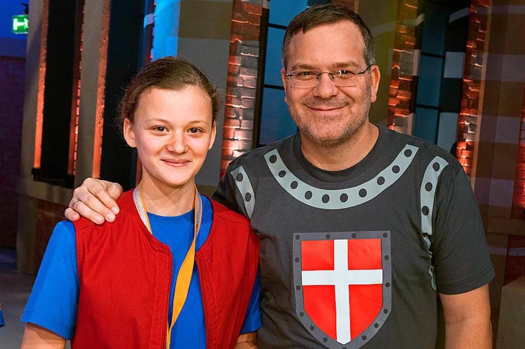 Nelli mit Moderator Elton  | Foto: Ralf Wilschewski