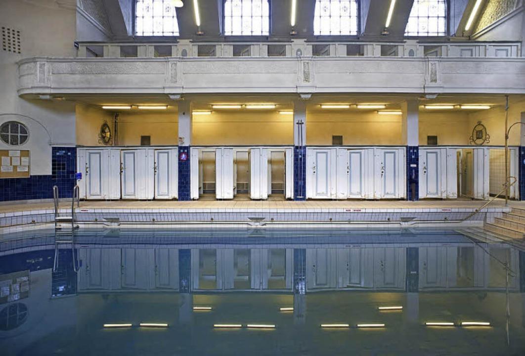 Das Bad bietet viel Komfort, etwa Umkleiden mit direktem Zugang zum Becken.   | Foto: Fotos: Stephan Elsemann