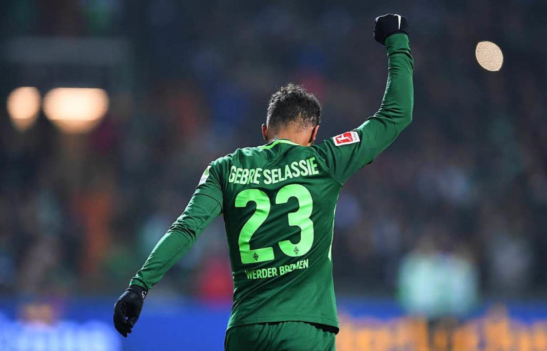Grün-Weißer Jubel: Werder teilt die Punkte mit Hoffenheim.  | Foto: dpa