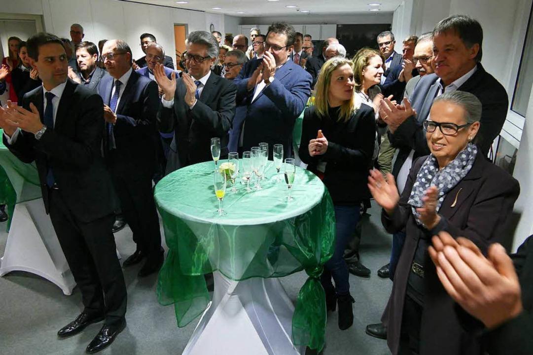 Applaus gab es für Reden und  Musik beim  Empfang des Gewerbevereins.  | Foto: Ingrid Böhm-Jacob