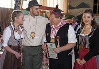 Grundmättler Buure feiern den 44. Geburtstag