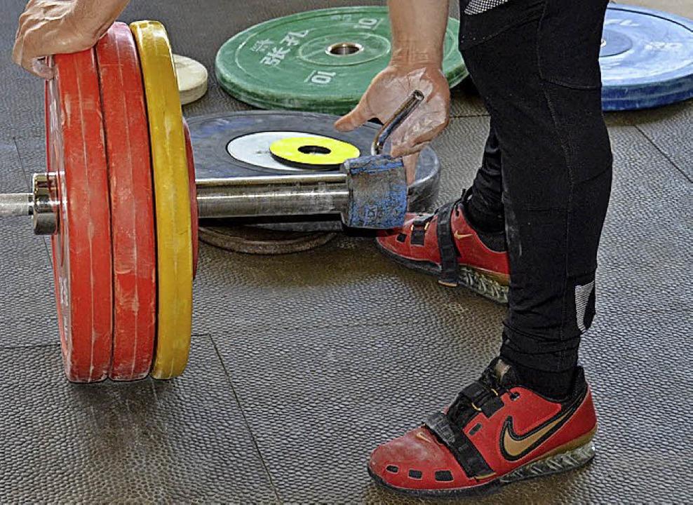Bereit zum Kraftakt. Gewichtheben ist Schwerstarbeit.   | Foto: bachmann