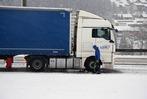 Fotos: Schneebedeckte Schwarzwaldstraßen legen den Verkehr lahm
