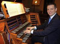 Andreas Mölder gestaltet die erste Orgelmusik zur Marktzeit im Fridolinsmünster Bad Säckingen