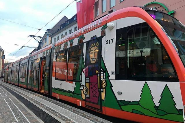 Die Tram der Linie 4, die dringend eine 5 sein wollte