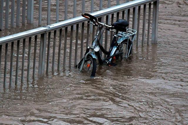 Wetterdienst warnt vor starkem Tauwetter - Hochwassergefahr im Südwesten