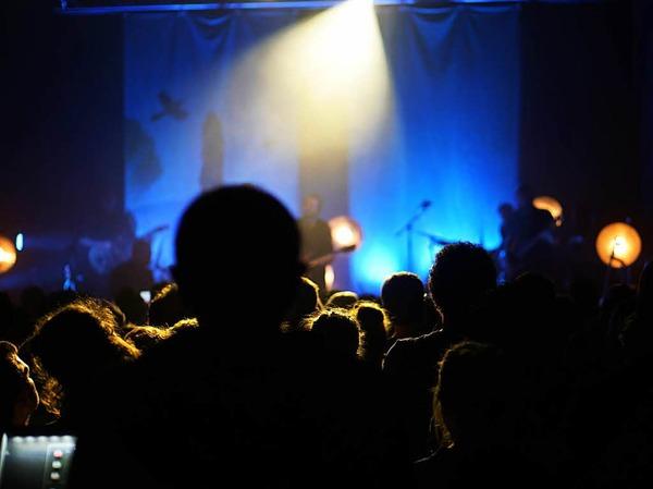 Rappelvoll war das E-Werk am Sonntagabend - und das Publikum angenehm aufmerksam.