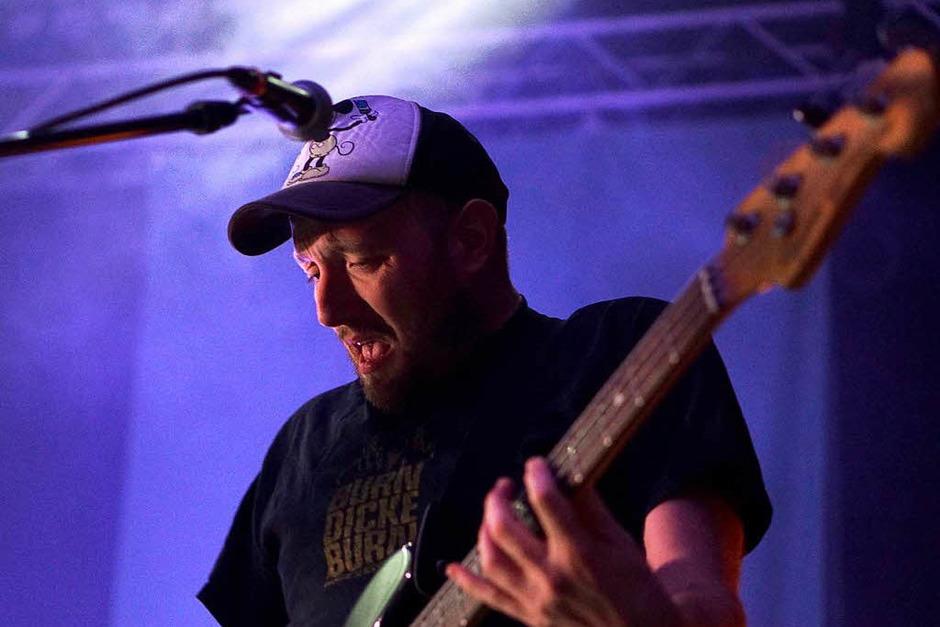 Bassist Florian Eilers (Foto: Simon Langemann)