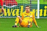 SC-Keeper Alexander Schwolow bangt um Einsatz gegen Dortmund