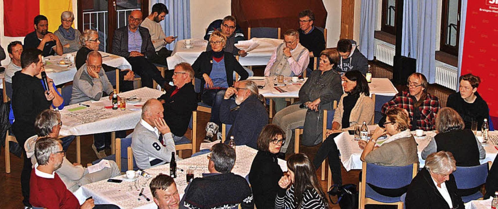 Über die künftige Ausrichtung ihrer Pa...en die Mitglieder  in Merdingen rege.     Foto: dpa/Louis Gross