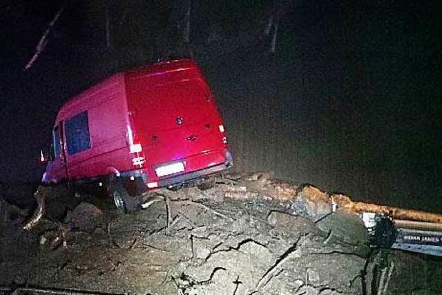 Schlammlawine donnert in der Schweiz auf A2 – Hotel in Südtirol muss evakuiert werden