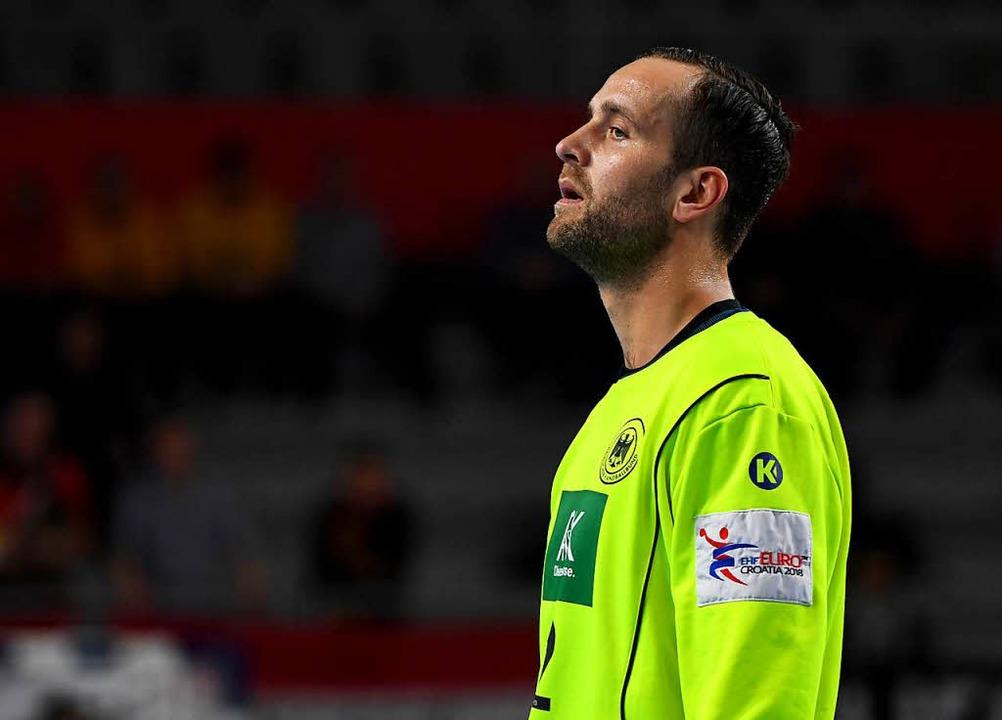 Deutschlands Torhüter Silvio Heinevetter schaut zur Seite.  | Foto: dpa