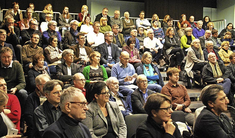 Das Tempus-fugit-Theaterhaus war beim Vortrag von Klaus Selle voll besetzt.    Foto: Thomas Loisl Mink