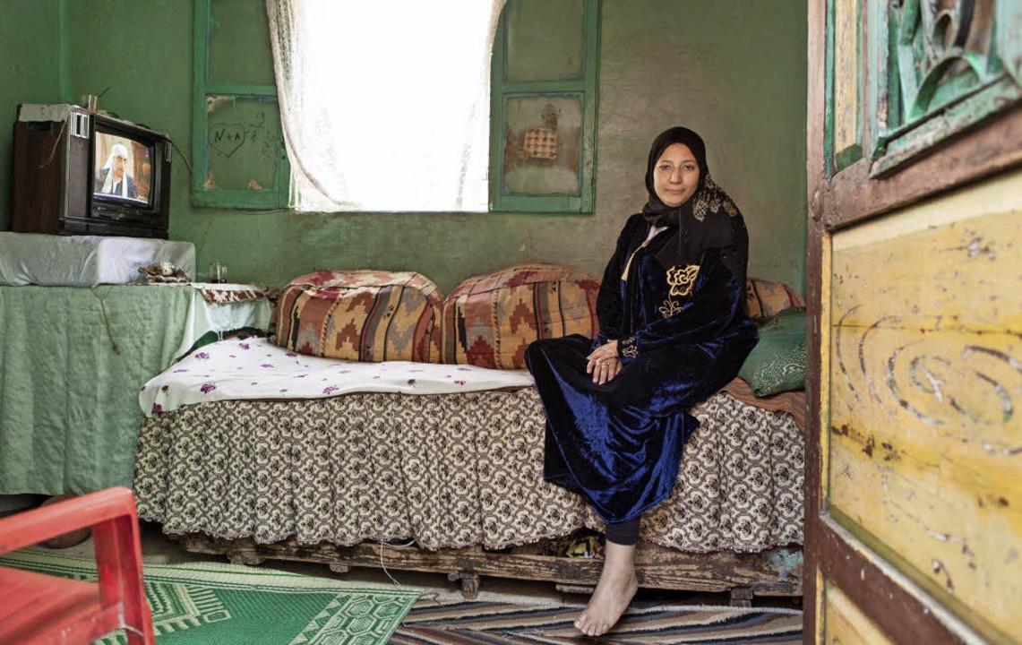 Die Putzfrau und Köchin Samah in ihrem bescheidenen Heim in Kairo   | Foto: Amélie Losier