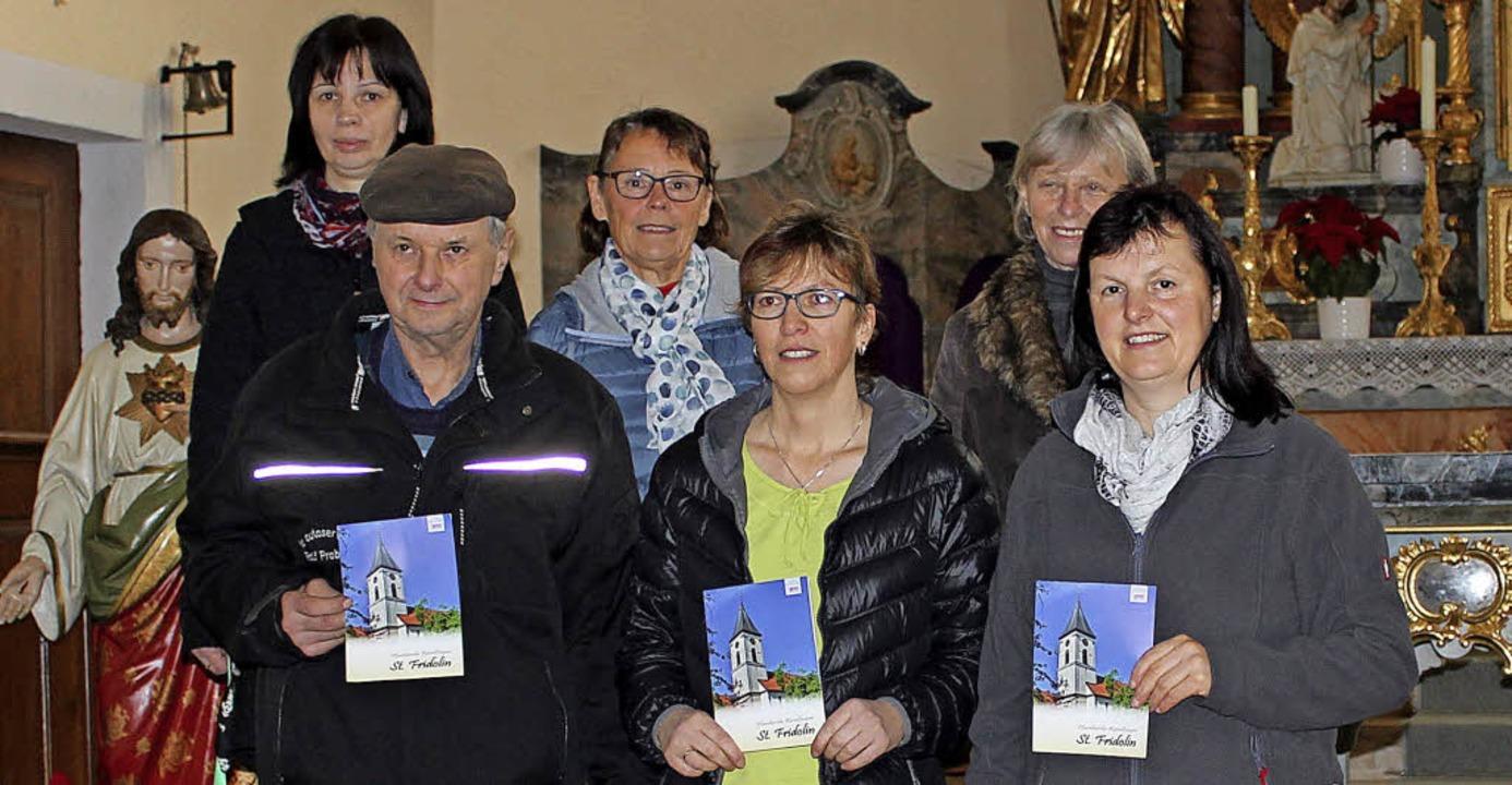800 Jahre Reiselfingen: Das Kirchen-Te...hte der Pfarrkirche St. Fridolin nach.    Foto: Christa Maier